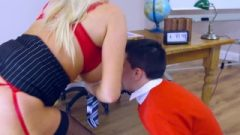 Brazzers – Michelle Thorne Having A Wild Sex In Lecture Room With Pupil
